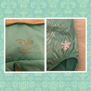 Snowflake Designs Other - NWOT Snowflake Designs Gold and Teal Leotard